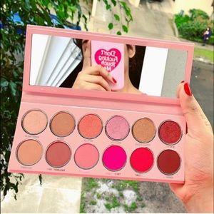 🆕 Kylie Cosmetics Valentine Eyeshadow Palette